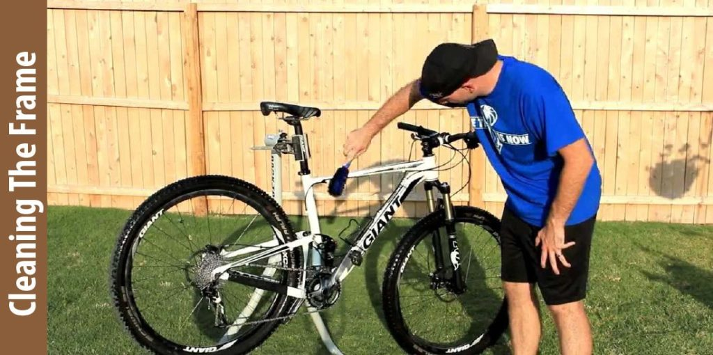 Cleaning bike Frame